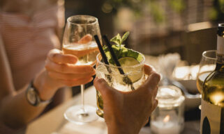Spritzers With Sustainable Sparkling Water